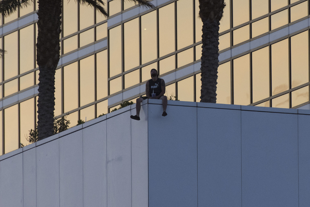 Man In Custody After Threatening To Jump From Las Vegas Trump