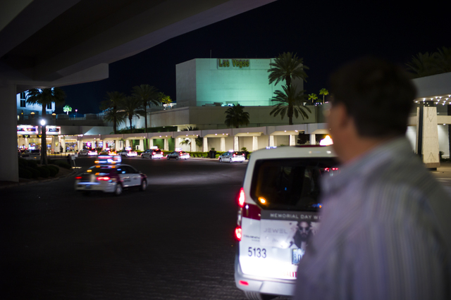 Cabs pick up passengers at the the Westgate hotel-casino in Las Vegas on Wednesday, May 4, 2016. (Chase Stevens/View Follow @csstevensphoto)