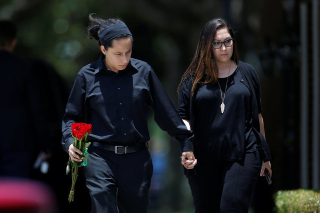 Mourners arrive before the funeral for Kimberly Morris, one of the victims of the shooting at the Pulse night club in Orlando, in Kissimmee, Florida, U.S., June 16, 2016. (Carlo Allegr/Reuters)