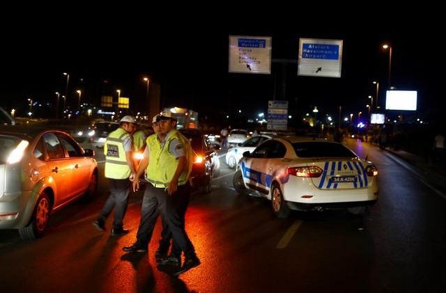 Security blocks the road towards Turkey's largest airport, Istanbul Ataturk, Turkey, June 28, 2016. (Osman Orsal/Reuters)