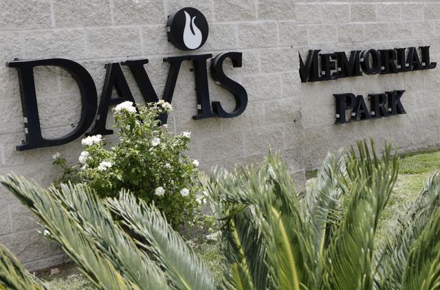 "Davis Memorial Park at 6200 Eastern Ave., where Charles ""sonny"" Liston is buried, is shown on Thursday, June 9 , 2016, in Las Vegas. (Bizuayehu Tesfaye/Las Vegas Review-Journal) Follow @bizutesfaye"