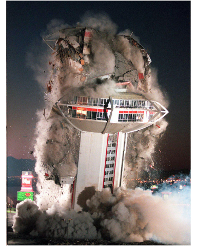 CLINT KARLSEN/LAS VEGAS REVIEW-JOURNAL The tower of the Landmark hotel-casino comes crashing down during a planned implosion of the iconic Las Vegas Strip property on November 7, 1995.