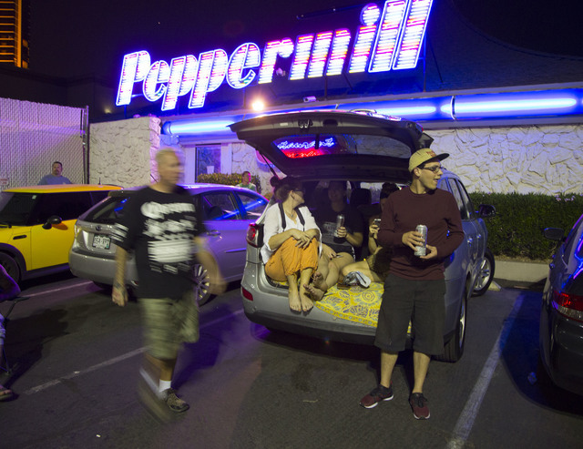 People gather at the Peppermill waiting for the implosion of the Monaco tower at the shuttered Riviera on Tuesday, June 14, 2016.  Jeff Scheid/Las Vegas Review-Journal Follow @jlscheid