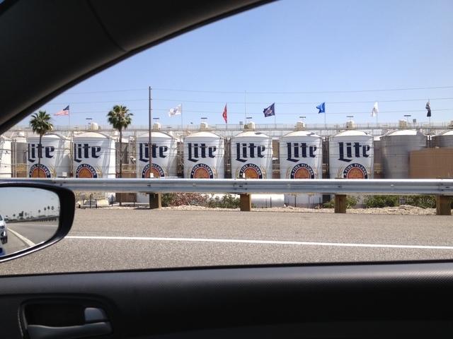 2 reporters, 1 by car, 1 by plane, race from LA to Las Vegas | Las