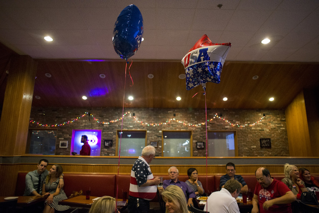 The crowd calls as the night draws on during a watch party at Old School Brewing Company in Las Vegas on June 14, 2016. (Bridget Bennett/Las Vegas Review-Journal) Follow @bridgetkbennett