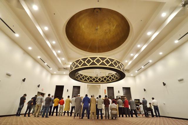 Members of the congregation are shown during prayer at Masjid Ibrahim at 3788 N. Jones Blvd. (Bill Hughes/Las Vegas Review-Journal)