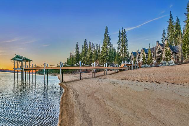 Sierra Sunset on Lake Tahoe. (COURTESY)