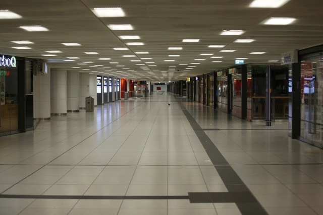 The empty subway of the main train station is pictured following a shooting rampage at the Olympia shopping mall in Munich, Germany July 22, 2016. (Michael Dalder/Reuters)