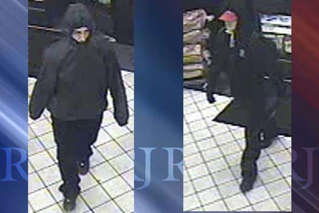 Las Vegas police are looking for two suspects in the robbery of a convenience store in the 4600 block of Russell Road on June 9, 2016. (Las Vegas Metropolitan Police Department)