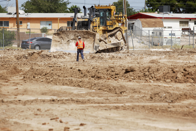 Kyle Hughes, of VT Construction, works at Lincoln Elementary School in North Las Vegas on Tuesday, June 21, 2016. Rachel Aston/Las Vegas Review-Journal Follow @rookie__rae