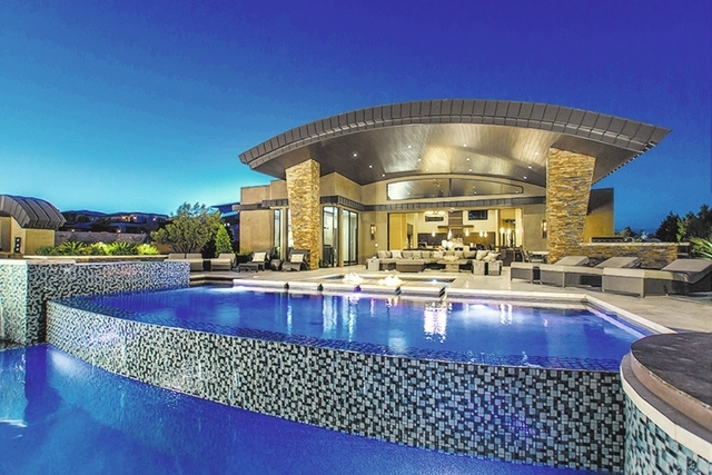 Tricked out pools with $5,000 underwater speakers — PHOTOS ...