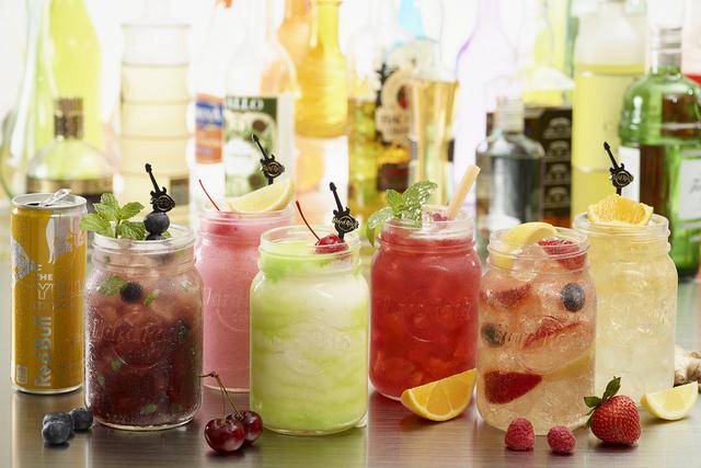 Mason jar cocktails (courtesy Hard Rock Cafe)