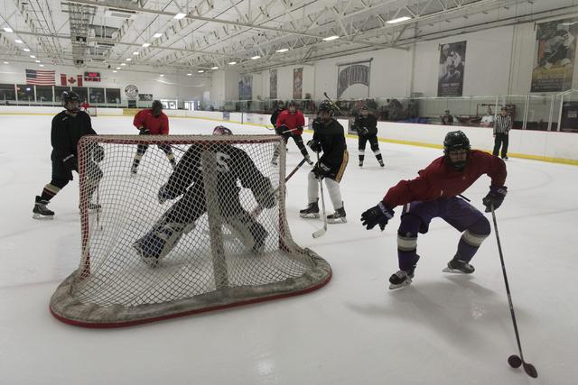 Youth hockey teams play at Las Vegas Ice Center in Las Vegas Wednesday, June 22, 2016. (Jason Ogulnik/Las Vegas Review-Journal)