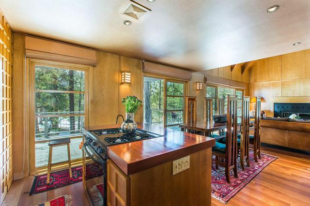 Lee Canyon cabin's kitchen. (Elke Cote/Real Estate Millions)