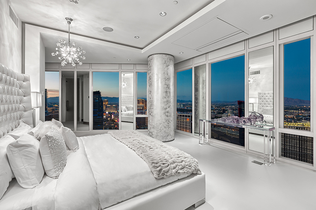 The master bedroom. (Courtesy of Luxury Estates International)