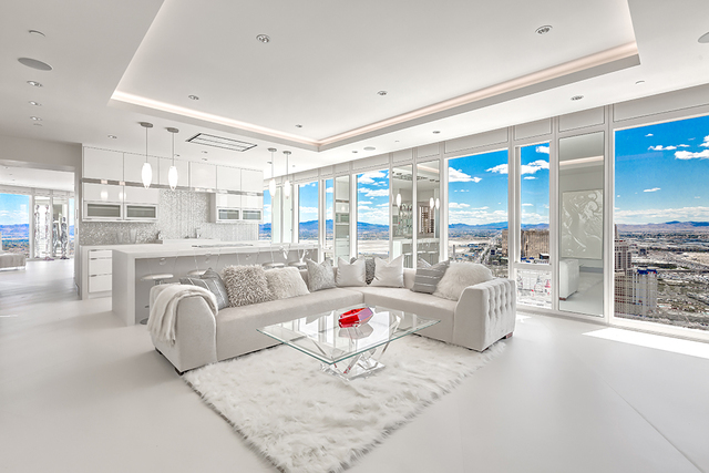 The large living room. (Courtesy of Luxury Estates International)