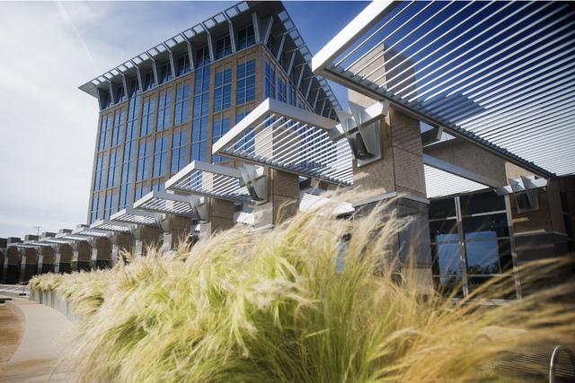 The North Las Vegas  City Hall. (Jeff Scheid/Las Vegas Review-Journal)