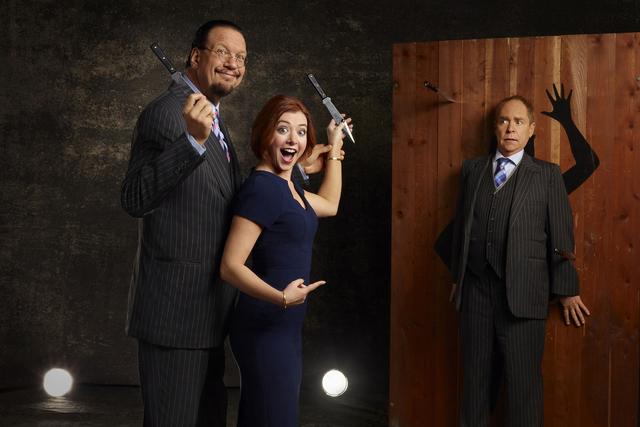 Penn Jillette, Alyson Hannigan, and Teller (JSquared/The CW)
