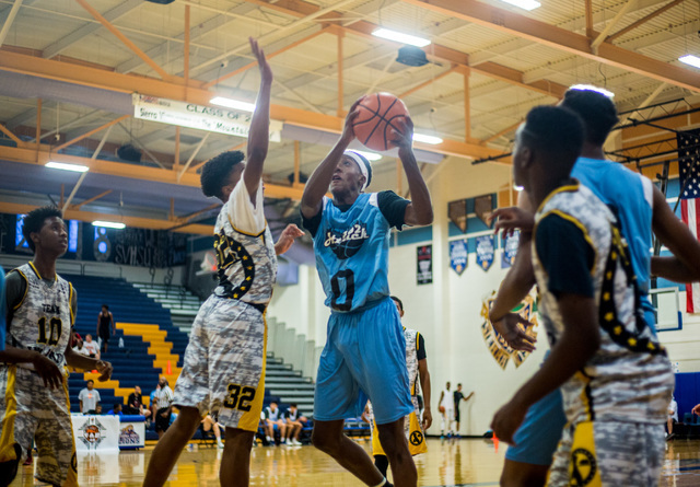 Je'rell Springer, Shadow Ridge High's Gaurd, plays for 702 Attack in the Fab 48 AAU tournament Thrusday, July 21, 2016 at Sierra Vista High School, Las Vegas. (Elizabeth Brumley/Las Vegas Review-J ...