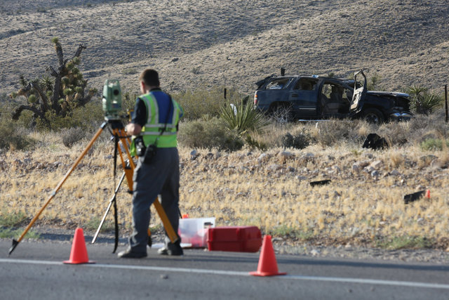 1 killed, 1 injured in rollover crash near Red Rock Canyon | Las