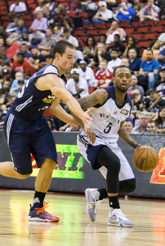 New Orleans Pelicans guard Ryan Boatright (5) runs the point during the NBA Summer League tournament at Cox Pavilion at UNLV on Sunday, July 10, 2016, in Las Vegas. (Benjamin Hager/Las Vegas Revie ...