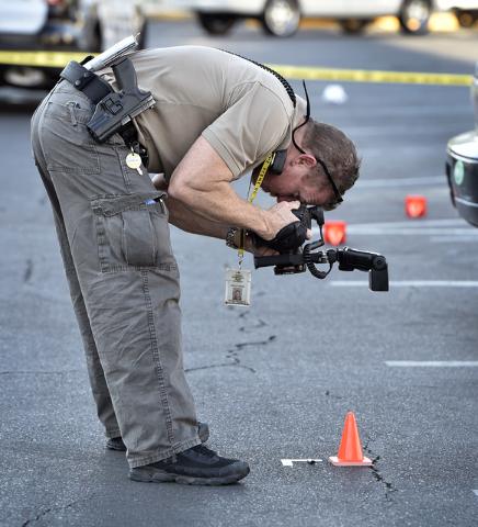 Las Vegas police investigate the scene of a shooting at 2204 W. Charleston Blvd. Monday, July 25, 2016, in Las Vegas. David Becker/Las Vegas Review-Journal Follow @davidjaybecker