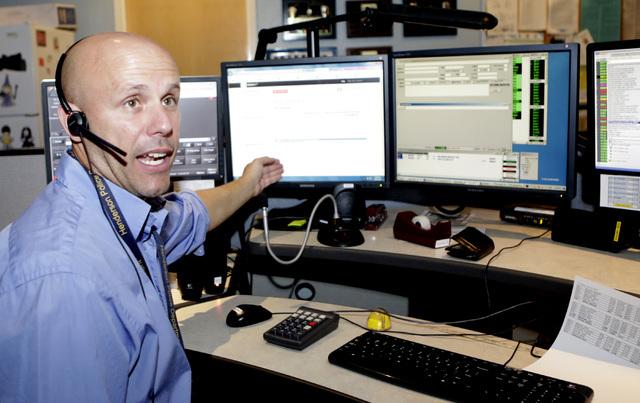 Henderson Police Communications Operator Jason Gacek talks about their 9-1-1 texting program during an interview at the HPD call center on Thursday, July 14, 2016. (Bizuayehu Tesfaye/Las Vegas Rev ...