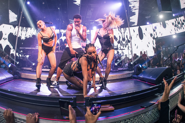 Trey Songz performs at Drai's Nightclub Saturday. (Mike Kirschbaum/Tony Tran Photography)