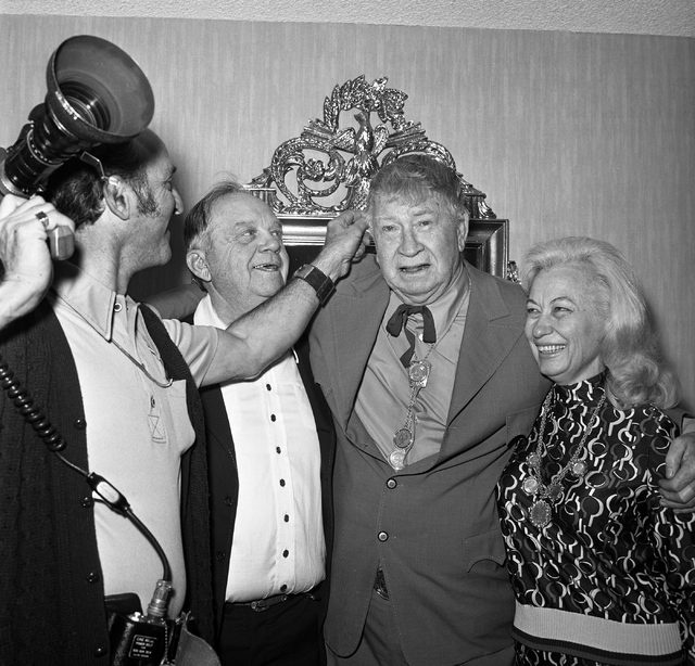 In this Las Vegas News Bureau file photo from Dec. 7, 1973, Chill Wills, center, and Novadeen Googe, right, pose with best man Benny Binion, at MGM Grand hotel-casino in Las Vegas two days after i ...