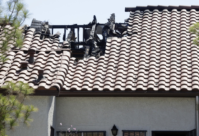 Fire Damaged The Roof Of A Two Story Apartment Complex At 3711 S Valley