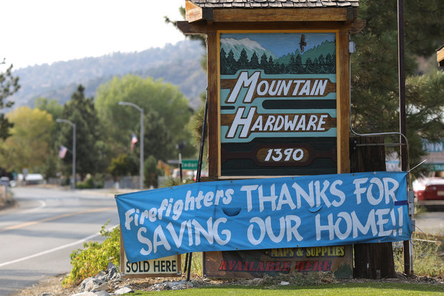 A banner thanking firefighters hangs from a business sign in Wrightwood, Calif., on Friday, Aug. 19, 2016. Brett Le Blanc/Las Vegas Review-Journal Follow @bleblancphoto
