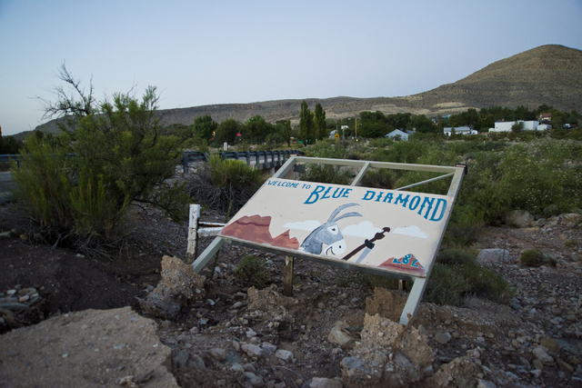 A welcome sign is seen in the town of Blue Diamond on Wednesday morning, Aug. 10, 2016. (Daniel Clark/Las Vegas Review-Journal) Follow @DanJClarkPhoto