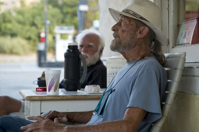 Evan Blythin, a long-time resident of Blue Diamond, speaks with a reporter in front of the Village Market and Mercantile in the town of Blue Diamond on Wednesday, Aug. 10, 2016. (Daniel Clark/Las  ...