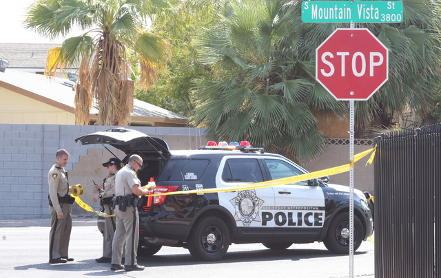 Las Vegas police investigate a shooting in the 3800 block of Mountain Vista Street and Indios Avenue on Monday, Aug. 1, 2016. Bizuayehu Tesfaye/Las Vegas Review-Journal Follow @bizutesfaye
