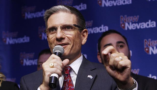 El Congresista Joe Heck, R-Nev., habla durante la celebración del partido republicano en la noche de elecciones el 4 de noviembre del 2014. (Sam Morris/Las Vegas Review- Journal/ Archivo)