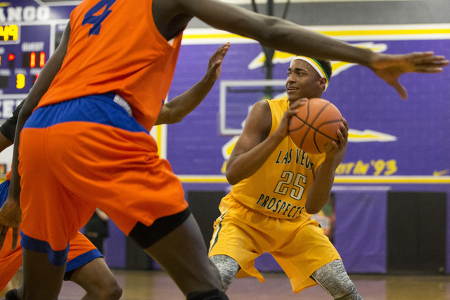 Las Vegas Prospects' Charles O'Bannon Jr. (25) looks for a pass against Dream Vision in the NY2LA Sports Summer Showndown tournament game at Durango High School on Wednesday, July 20, 2016, in Las ...