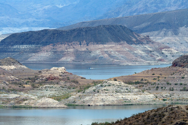"""The """"bathtub ring"""" can be seen at the Boulder Basin Las Vegas Boat Harbor at Lake Mead, Thursday, Aug. 4, 2016.  Jerry Henkel/Las Vegas Review-Journal"""