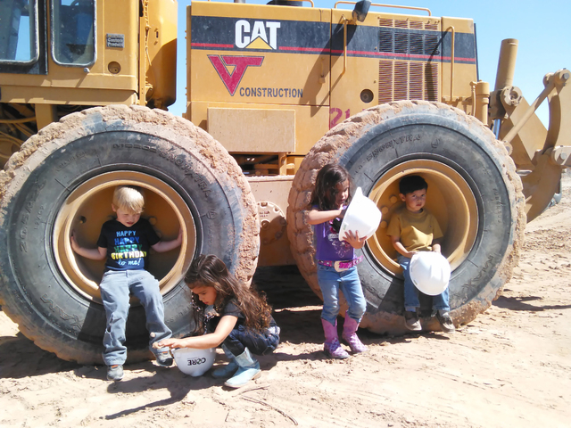 Clark County School District students help with the school groundbreaking near Arville Street and West Mesa Verde Lane May 18, 2016. Gina Rose DiGiovanna/Special to View