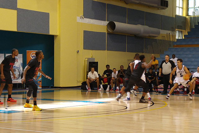 UNLV faces Toronto in Nassau, Bahamas. (Mark Anderson/Las Vegas Review-Journal)