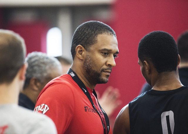 UNLV assistant coach Rob Jeter watches practice at the Mendenhall Center at UNLV on Monday, August 1, 2016, in Las Vegas. (Benjamin Hager/Las Vegas Review-Journal)