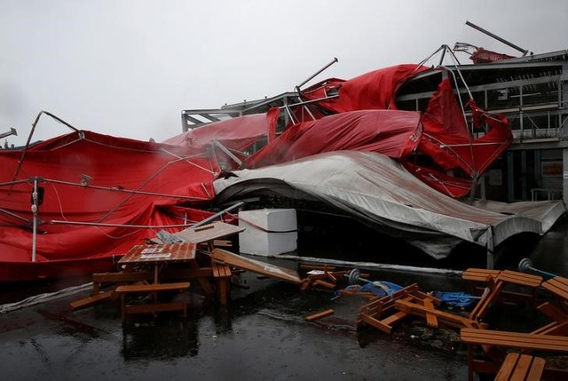 A damaged tent is see as Typhoon Megi hits Hualien, eastern Taiwan, September 27, 2016. (Tyrone Siu/Reuters)
