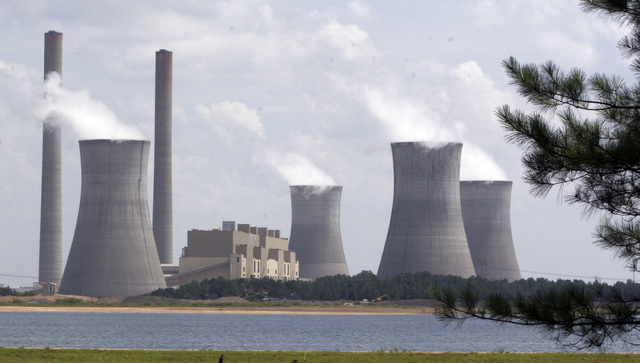 The coal-fired Plant Schereris in seen in operation at Juliette, Ga., in 2007. (Gene Blythe/The Associated Press)