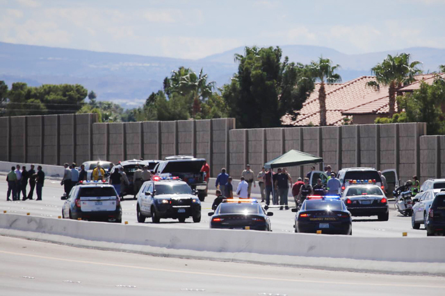 Police close down U.S. Highway 95 after a police chase on Thursday, Sept. 29, 2016. (Brett LeBlanc/Las Vegas Review-Journal)