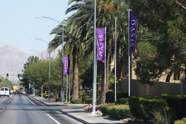 Oasis Gateway Apartments, recently bought by TruAmerica Multifamily, is seen in Las Vegas on Thursday, Sept. 15, 2016. Brett Le Blanc/Las Vegas Review-Journal Follow @bleblancphoto