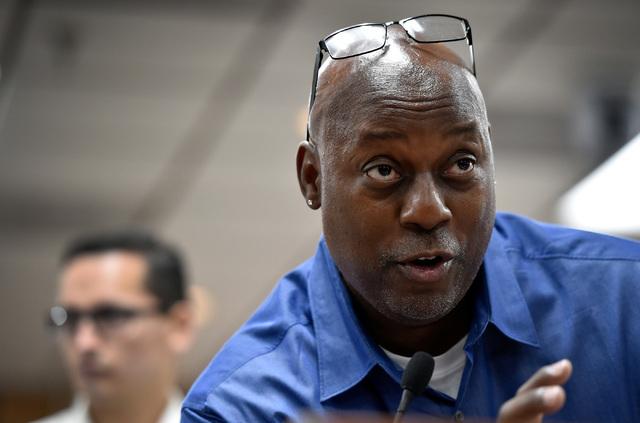 Michael Hollis speaks during a school board meeting at the Clark County School Board Thursday, Sept. 8, 2016, in Las Vegas. (David Becker/Las Vegas Review-Journal) Follow @davidjaybecker