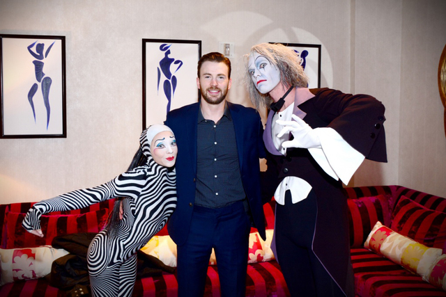 "Chris Evans meets Cirque ""O"" performers Amber Basgall and Benedikt Negro on Sunday. (Cashman Photo)"