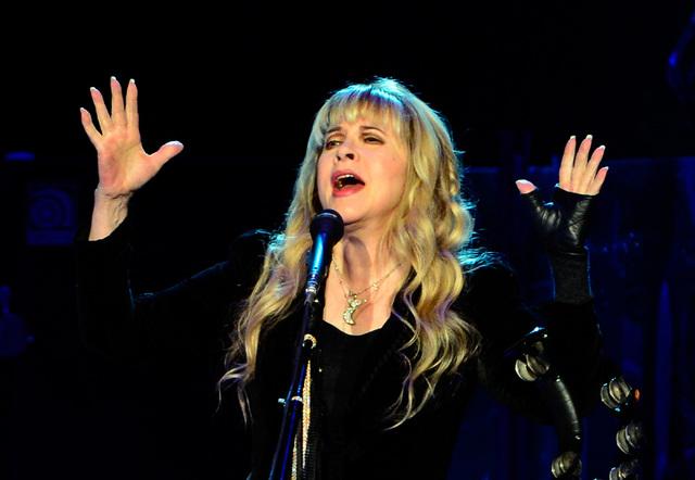 Singer Stevie Nicks of Fleetwood Mac performs at MGM Grand Garden Arena on Monday, Dec. 30, 2013. (David Becker/Las Vegas Review-Journal)