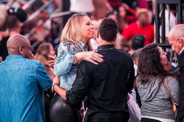 Mariah Carey hangs with Jermaine Dupri at Drai's nightclub on Sept. 3. (Tony Tran Photography)