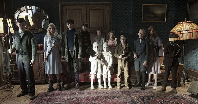DF-12584 - The residents of MISS PEREGRINE'S HOME FOR PECULIAR CHILDREN ready themselves for an epic battle against powerful and dark forces. Photo Credit: Jay Maidment.