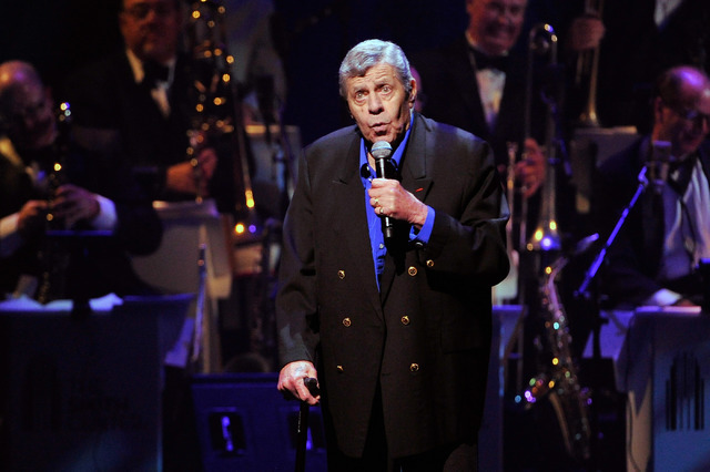 Comedian Jerry Lewis shares stories during the Nevada Sesquicentennial All-Star Concert at The Smith Center on Monday, Sept. 22, 2014, in Las Vegas. (David Becker/Las Vegas Review-Journal)